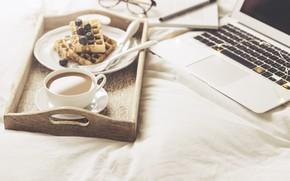 Обои кофе, Ягоды, Ноутбук, вафли