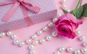 Картинка подарок, роза, бусы, Праздник