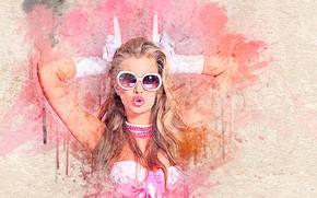 Картинка краски, Девушка, текстура, мазки, в очках, в перчатках