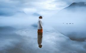 Картинка одиночество, настроение, девушка, вода, водоем, птицы, утки, туман, горы