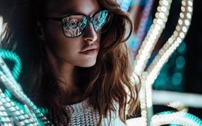 Картинка lights, girl, long hair, photo, photographer, brown, model, bokeh, lips, face, reflection, glasses, portrait, mouth, …