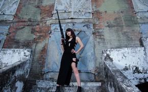 Картинка девушка, поза, пистолет, ступеньки, ножки, винтовка