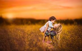 Картинка фон, любовь, трава, мама, девочка