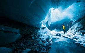 Обои men, ice, cave, helmet