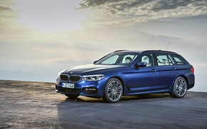 Картинка небо, BMW, стоянка, площадка, излучение, универсал, xDrive, Touring, 530d, 5er, тёмно-синий, 2017, 5-series, G31