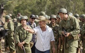 Обои оружие, джинсы, шляпа, солдаты, форма, актёры, рубашка, жест, история, драма, военный, каски, режиссёр, Мэл Гибсон, ...