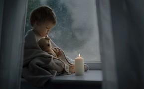 Обои игрушка, ребёнок, Katrina Parry, окно, малыш, платок, свеча, ночь, подоконник, мишка