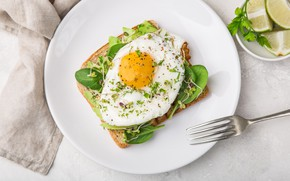 Картинка лайм, breakfast, завтрак, яичница, тост, тарелка, авокадо, egg