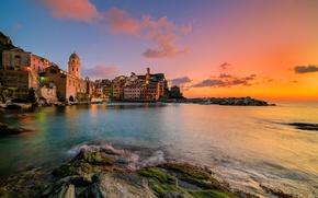 Картинка море, пейзаж, закат, побережье, здания, Италия, Italy, Лигурийское море, Вернацца, Vernazza, Cinque Terre, Чинкве-Терре, Лигурия, …