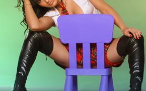 Картинка девушка, поза, ноги, сапоги, стульчик, Михаил Шестаков