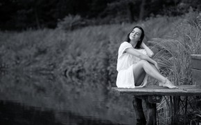Картинка вода, девушка, улыбка, ч/б, ножки, мостик, Lviv, Irene, Ivan Borys
