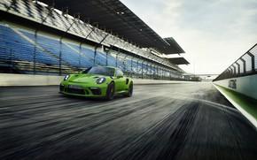 Обои облака, небо, Porsche, купе, трасса, 911 GT3 RS, 2018, ограждение, движение, асфальт, трибуны