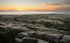 Картинка туман, камни, вид, дома