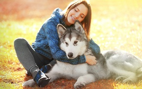 Картинка Девушка, Собака, Улыбка, Шатенка, Животные, Хаски