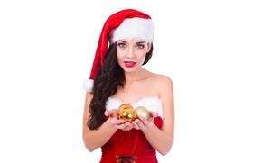 Обои шары, новый год, белый фон, макияж, шапка, красотка, колпак, рождество, платье, снегурочка, новогодние, в красном, ...