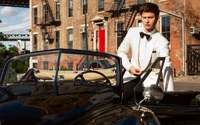 Картинка взгляд, костюм, парень, автомобиль, Ansel Elgort, Энсел Элгорт