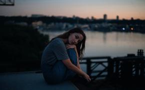 Картинка девушка, город, сумерки