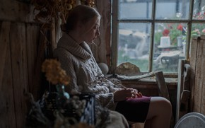 Картинка грусть, окно, веснушки, Арина, Иван Проскурин