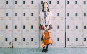 Картинка девушка, лицо, волосы, форма, сумка, шкафчики хранения