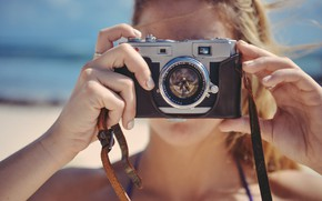 Картинка море, пляж, лето, девушка, фотоаппарат