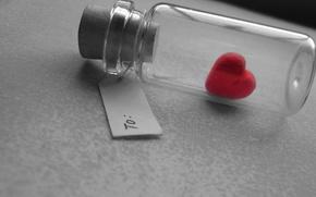 Обои caught, bottle, пузырёк, heart, бутылка, сердечко