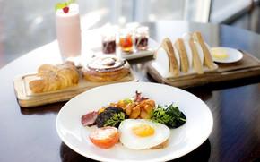 Картинка завтрак, коктейль, яичница, салат, тосты