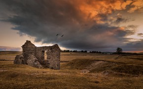 Картинка поле, закат, дом, руины