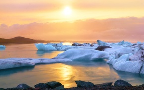 Картинка отражение, Солнце, Вода, Земля, Рассвет, льды, Льдины, Искры, Пар, Блики, Арктика, Сполох, Безжизненность