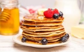 Картинка ягоды, черника, клубника, мед, блины, pancakes