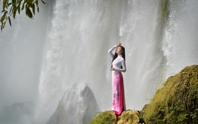 Картинка девушка, водопад, платье, азиатка, вьетнам, вьетнамка