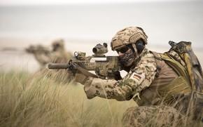 Картинка солдат, автомат, экипировка