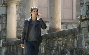 Картинка куртка, телефон, мужчина, Дневники вампира, Ian Somerhalder, Йен Сомерхолдер, Vampire Diaries