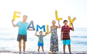 Картинка море, радость, буквы, семья, улыбки