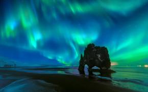 Картинка пляж, небо, звезды, ночь, скала, Северное сияние, арка