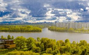 Картинка небо, деревья, тучи, река, дождь, дома, Москва, Россия