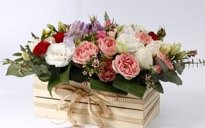 Картинка цветы, коробка, розы, бутоны, бантик, композиция, Эустома, Лизантус