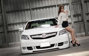 Картинка взгляд, девушка, Девушки, Toyota, белый авто