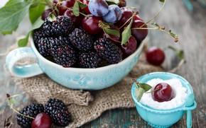 Картинка вишня, ягоды, фрукты, сахарная пудра, шелковица