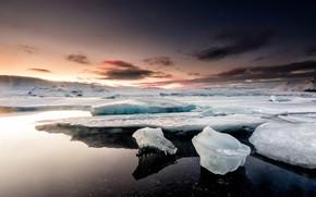 Картинка лед, зима, небо, облака, снег, закат, горы, природа, галька, берег, лёд, вечер, льдины, сумерки, север, …