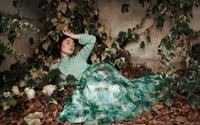 Картинка осень, листья, девушка, поза, настроение, листва, плющ, Isabella Phillips
