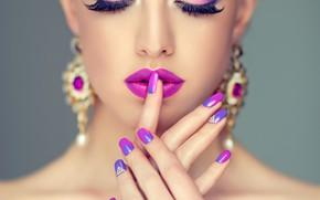 Картинка девушка, лицо, ресницы, руки, макияж, губы, жест, маникюр, София Журавец
