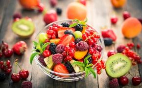 Обои клубника, смородина, фрукты, малина, ягоды, салат, dessert, киви, fruit salad