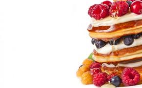 Картинка ягоды, малина, черника, белый фон, морошка, блины, сироп, berries, raspberry, блинчики, pancakes, оладьи, blueberries, white …