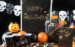 Картинка праздник, пауки, свечи, тыква, стаканы, гирлянда, хэллоуин, мармелад