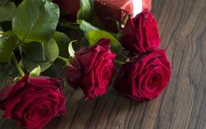 Картинка red, love, romantic, gift, roses, красные розы, valentine`s day