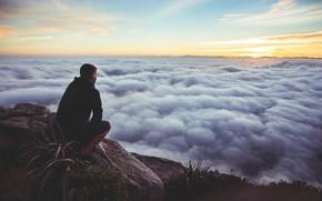 Обои небо, солнце, облака, закат, горы, восход, человек, sky, sunset, mountains, clouds, sun, people, sunrise