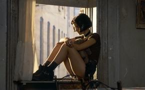 Картинка кино, кадр, актриса, окно, девочка, Natalie Portman, Натали Портман, Леон, Матильда