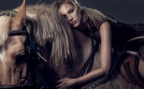 Картинка девушка, лошадь, губки, Chen Tao Liao