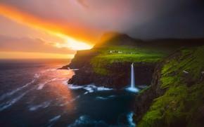 Обои облака, скалы, небо, море, поселок, горы, свет, тучи, Лофотенские острова