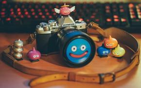 Картинка фотоаппарат, объектив, смайлик, Olympus OM-D